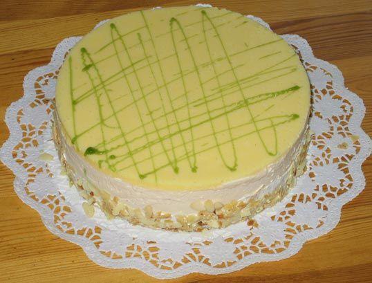 Käsesahnetorte mit Zitronendecke